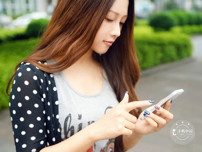 苹果iPhone5(联通版)时尚美图第5张