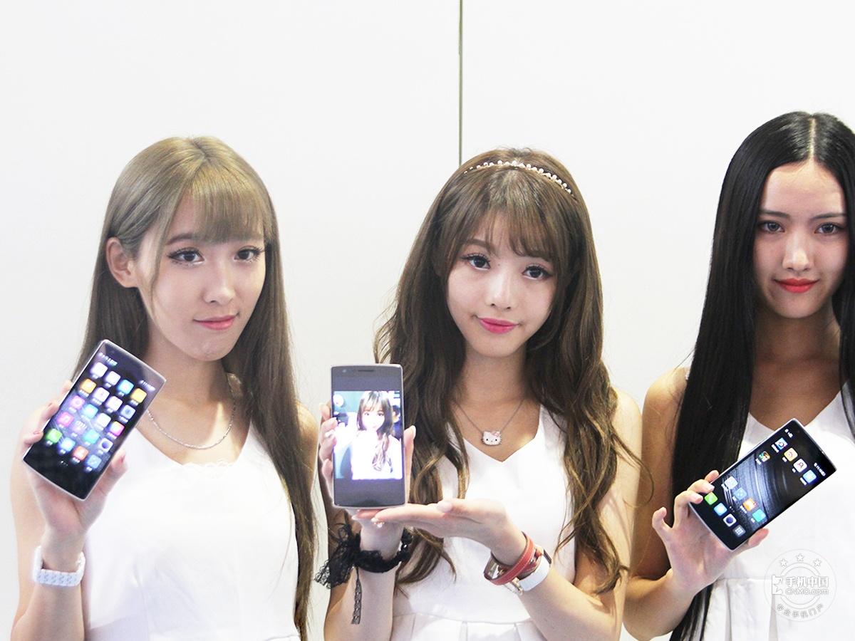 一加手机(64GB/移动版)时尚美图第1张