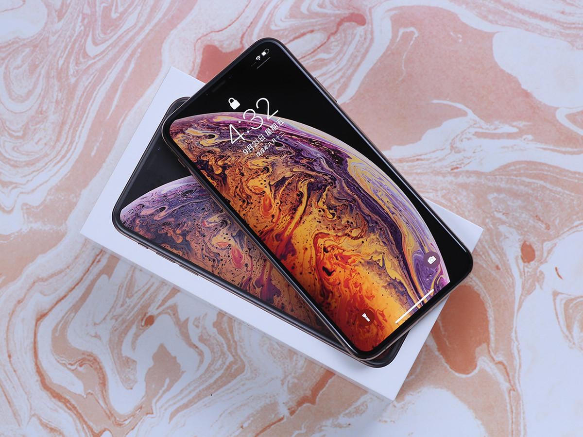 苹果iPhoneXSMax(256GB)整体外观第2张