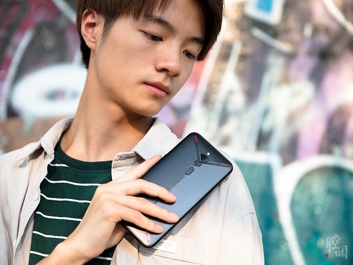 努比亚红魔3电竞手机(12+256GB)时尚美图第4张