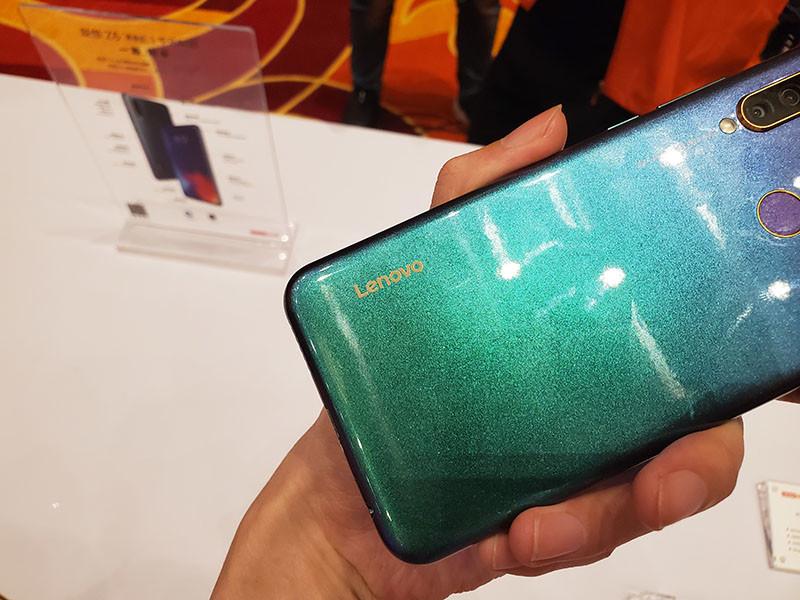 LenovoZ6青春版(4+64GB)机身细节第6张