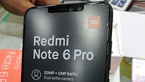 【红米Note 6 Pro】红米Note 6 Pro采用了时下主流的刘海全面屏设计。机身背部为三段式金属机身,双摄竖排排列、中间是指纹识别区域。整体造型还是红米的家族式设计语言,同时也很好的兼顾了当下的流行元素。就外观来说,红米Note 6 Pro应该又是一款千元大杀器。